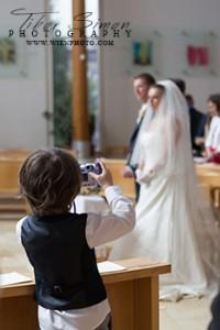 Templomi szertartás fotózása Sopronban és Magyarországon bárhol ahol erre igény van. Kérjen ajánlatot.